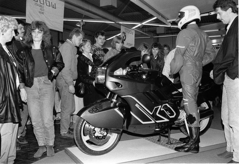 BMW K1 89