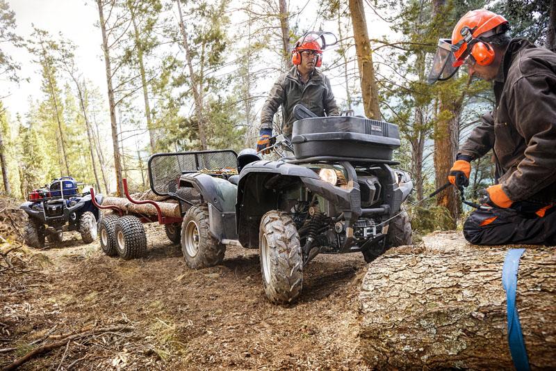Das kennen wir: Holzarbeiten gehören zu den meisterledigten Aufgaben für unsere ATVs.