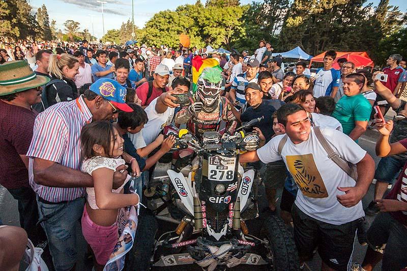 Die Dakar ist der Traum vieler Motorsport- und Offroad-Fans.