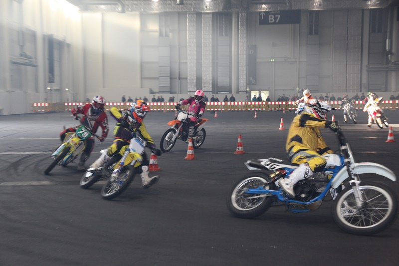 Enduro_Indoor_Race