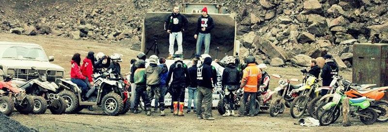 Colle Truppe bereit zum Einsatz: Am Set des Musik-Videos.